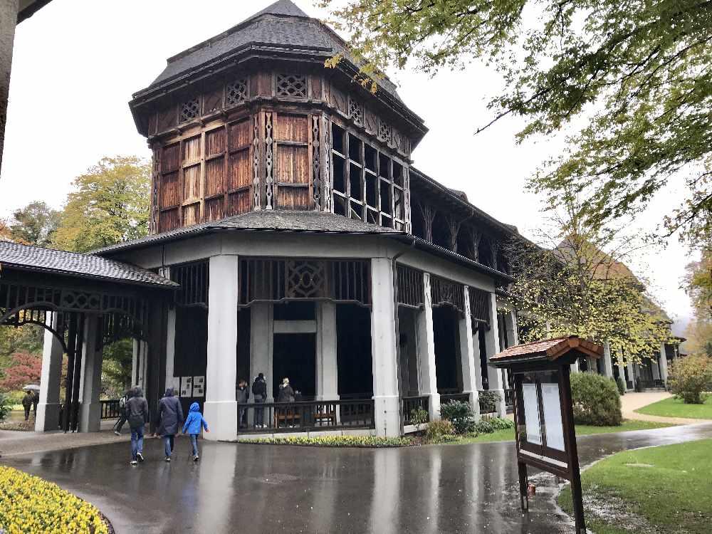 Im Kurpark erreichen wir das Gradierhaus in Bad Reichenhall