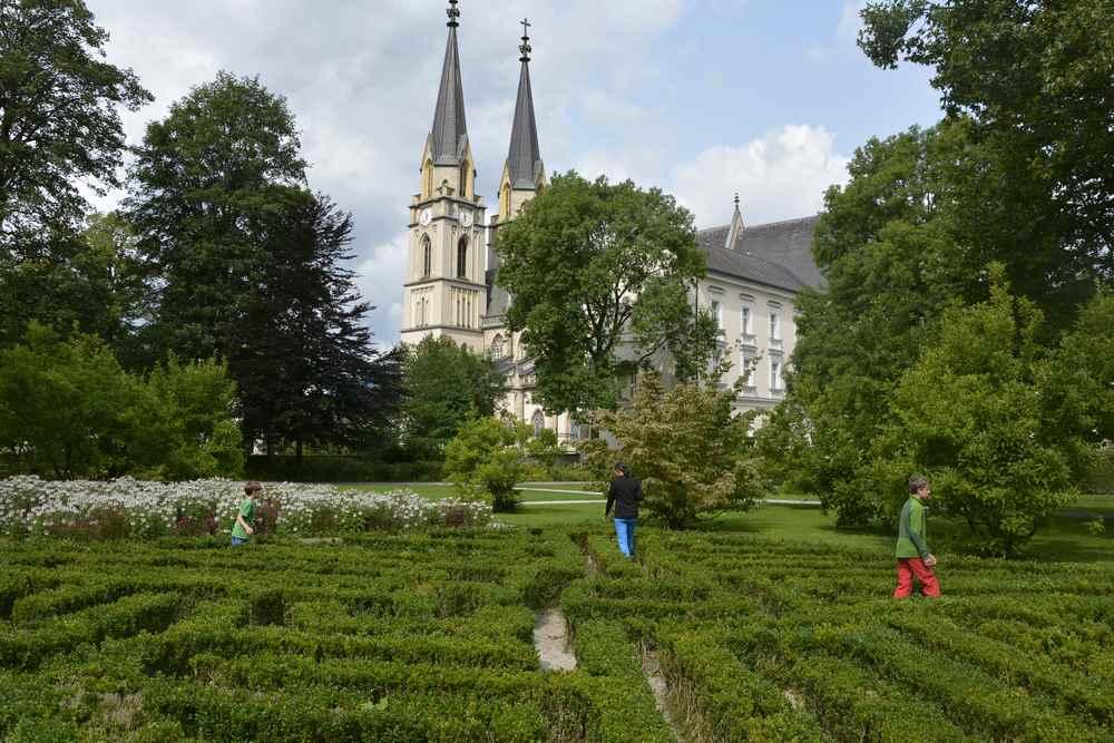 Ein schöner Abschluss: Der Besuch im Klostergarten durch das Labyrinth