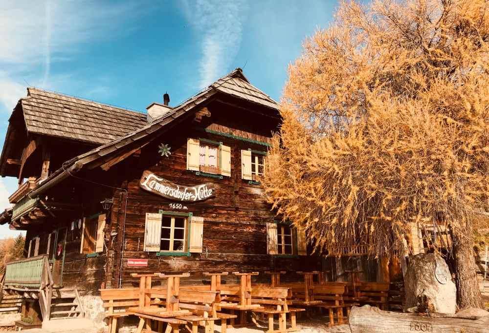 Die urige Lammersdorfer Hütte auf der Millstätter Alpe