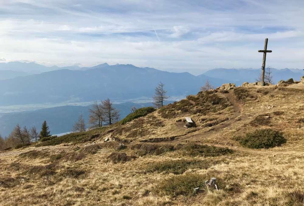 Erstes Zwischenziel unserer Wanderung mit Kindern: Das Lammersdorfer Kreuz