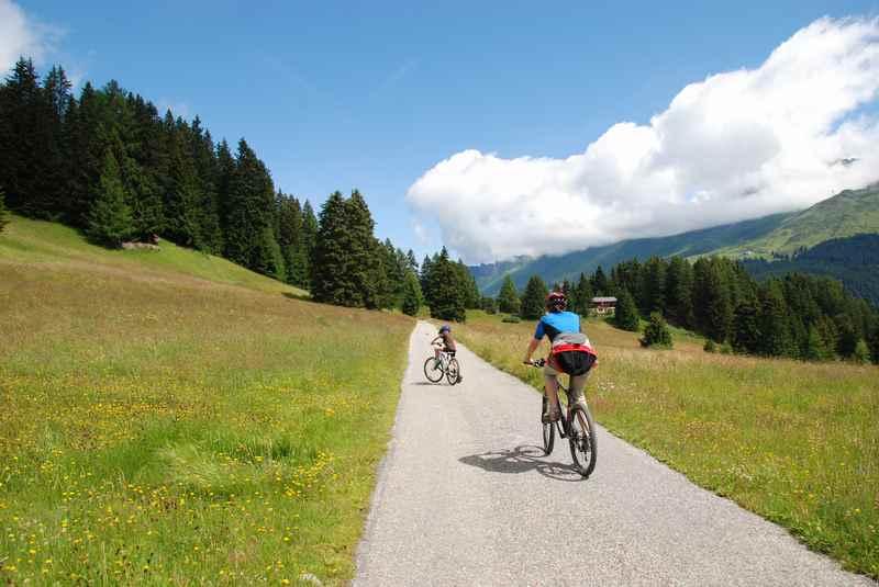 Lenzerheide MTB: Unser Tour mit Kindern vom Heidsee hinauf auf den Berg