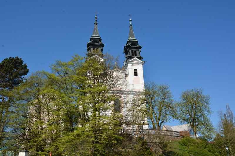 Auch auf den gegenüberliegenden Pöstlingberg kann man von Linz zur Wallfahrtskirche wandern