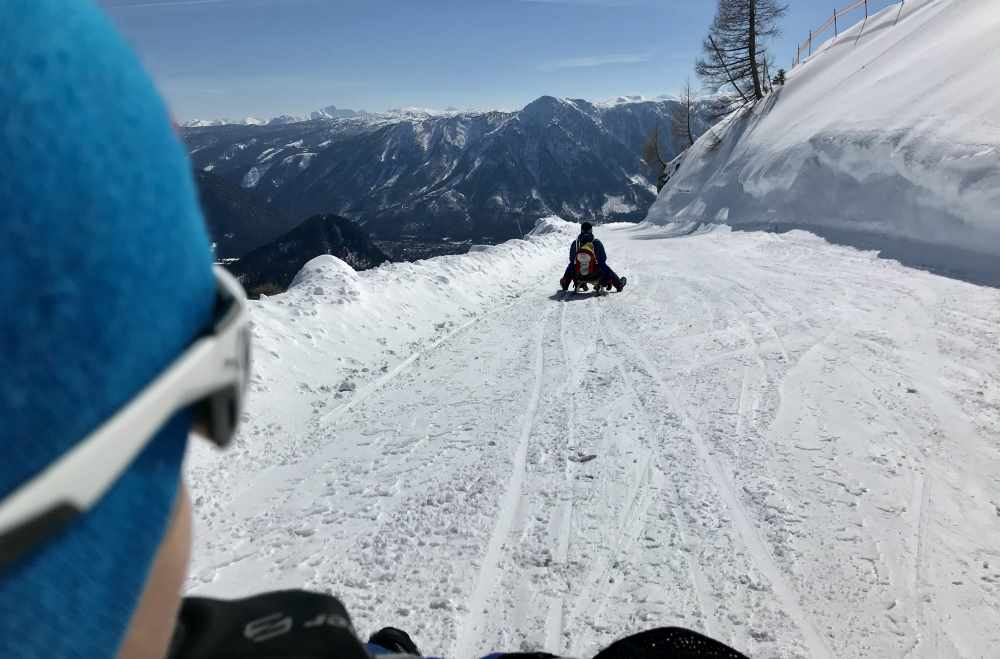 Rodeln Steiermark:  9 Kilometer auf der Rodelbahn am Loser - so toll zum Rodeln mit Kindern im Salzkammergut