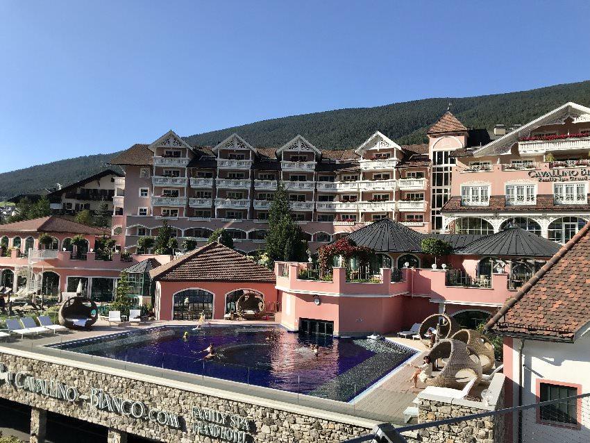 Domizil für Familien im Wanderurlaub in Südtirol: Das Cavallino Bianco