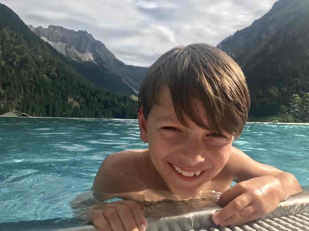 Luxus Familienhotel mit Bergblick in Österreich