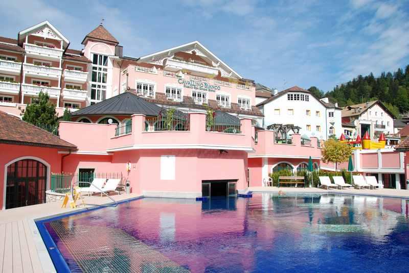 Eines der ersten Kinderhotels der Luxusklasse in Südtirol