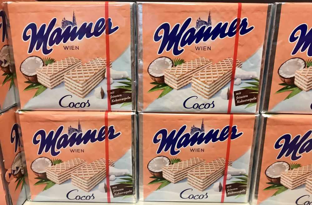 Die Mannerschnitte mit dem Stephansdom auf der Verpackung gibt es auch  in der Geschmacksvariante Kokos - gefunden im Manner Werksverkauf