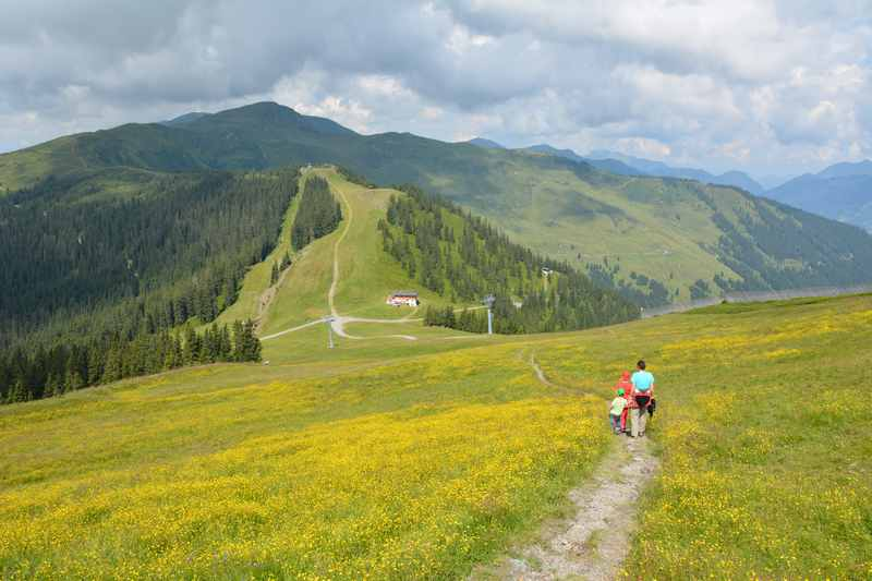 Auf der Schmittenhöhe wandern mit Kindern zum Maurerkogel