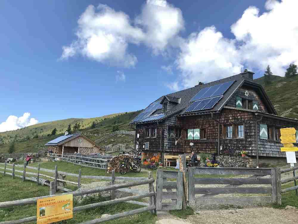 Unser erstes Zwischenziel: Die Millstätter Hütte in den Nockbergen