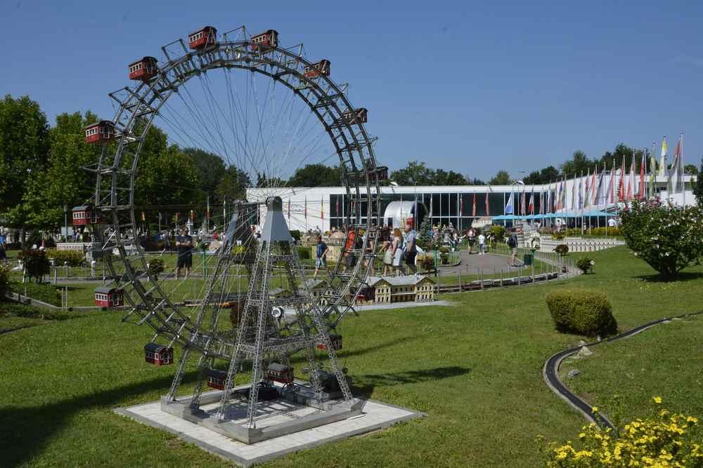 Das Riesenrad vom Wiener Prater - bald werden wir auf unserem Roadtrip beim echten Riesenrad stehen und mitfahren
