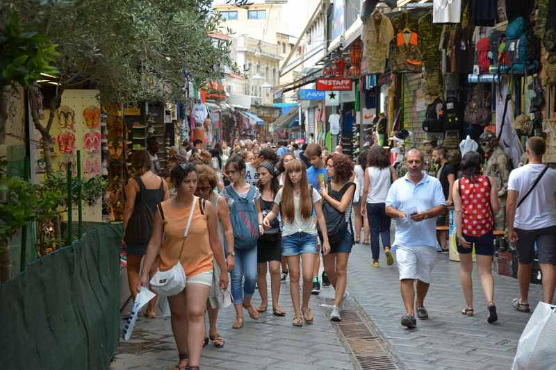 Typisch und schön: Auf den Märkten durch die Strassen von Athen mit Kindern