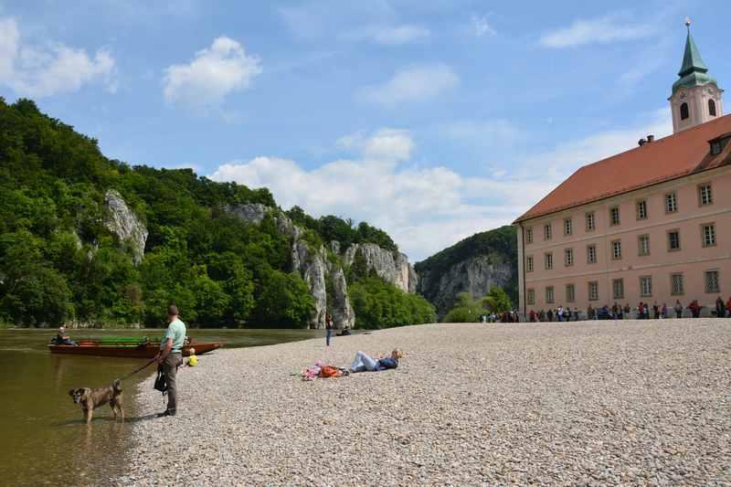 Radtour Kloster Weltenburg nach Kelheim - Start oder Ziel am Kiesstrand der Donau