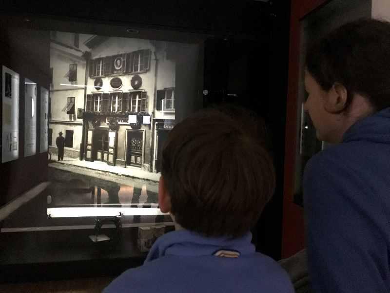 Die Vorführung im Nähmaschinenmuseum Kufstein