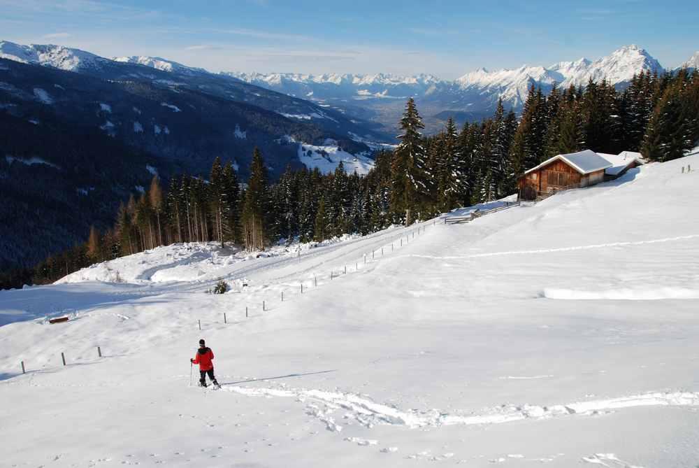 Winterurlaub mit Kindern: Schneeschuhwandern in Österreich