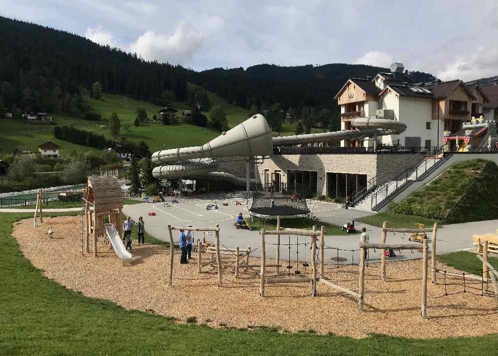 Familienhotel Dachsteinkönig mit Niederseilgarten, Spielplatz und Wasserrutsche