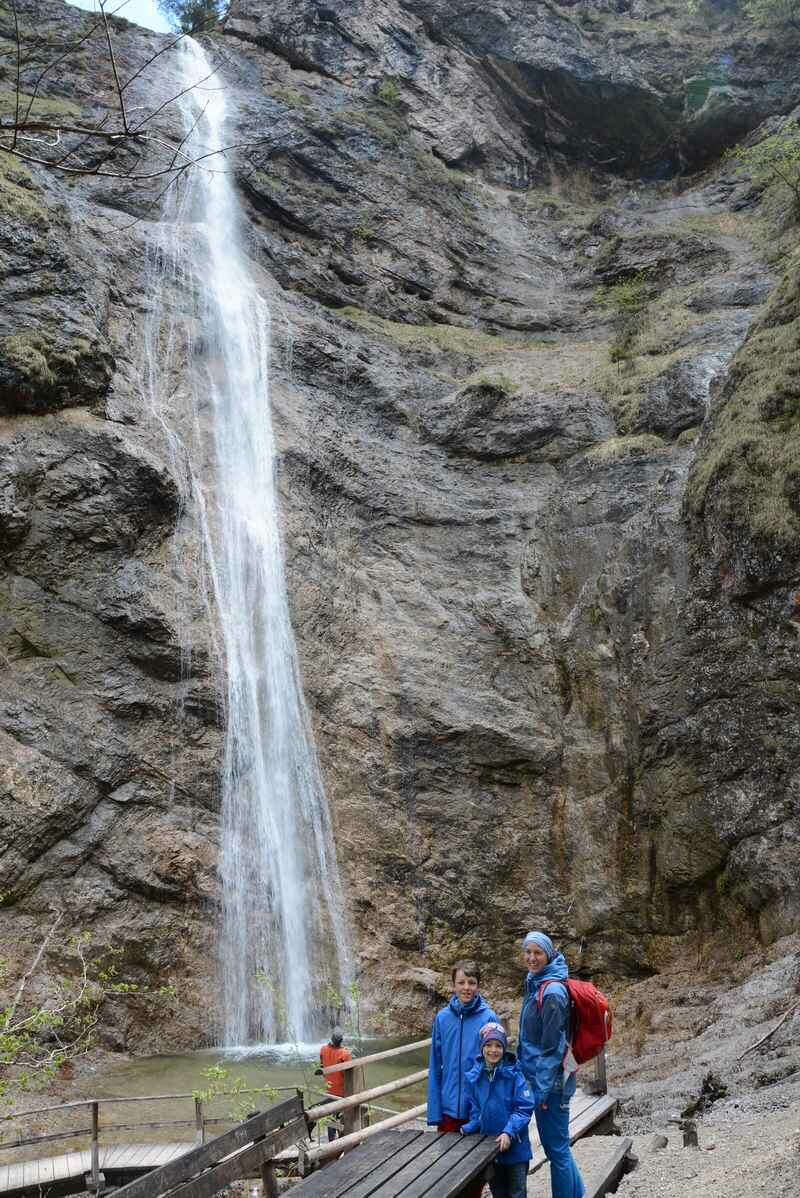 80 Meter beträgt die Fallhöhe des Nixenfall - unser Wanderziel am Attersee