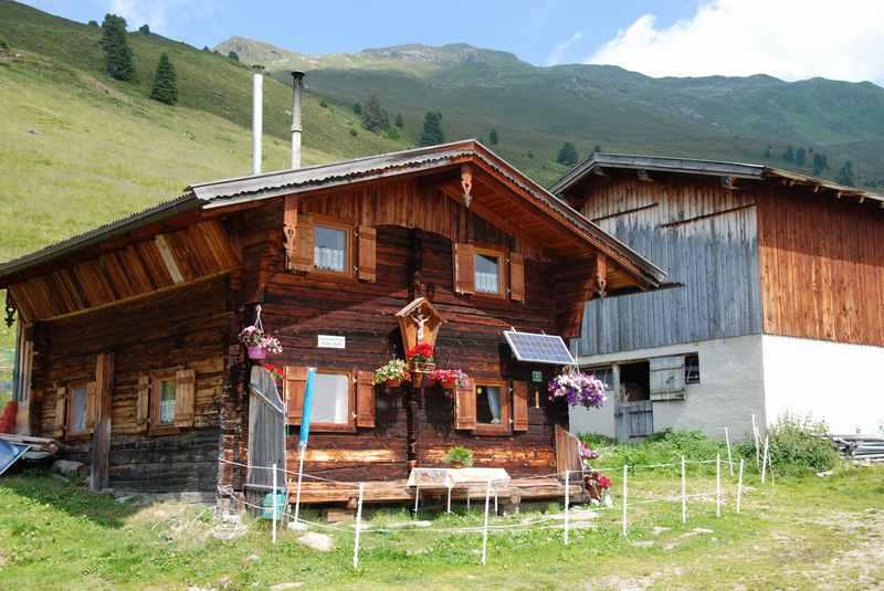 Die urigen Hütten auf der Nonsalm, Tuxer Alpen