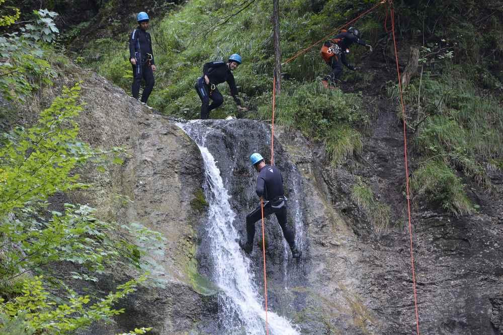 Canyoning geht auch hier in den Ötschergräben - toll zu beobachten an diesem Wasserfall