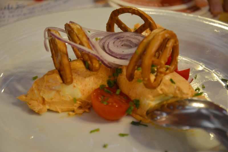 Eine Käsespezialität in Bayern: Der Obatzda als Brotaufstrich, sehr gut im Ratskeller