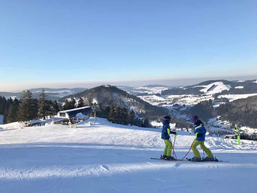 Hündle Oberstaufen: Das ist das schöne Panorama am Hündle beim Skifahren in Oberstaufen