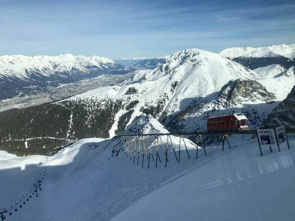 Skigebiet Axamer Lizum: Die Olympiabahn bringt mich zum Hoadlhaus auf 2340 Meter