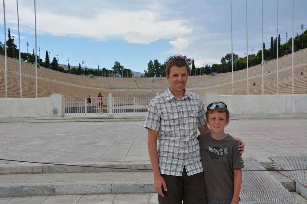 Wir haben das Olympiastadion in Athen mit Kindern besucht