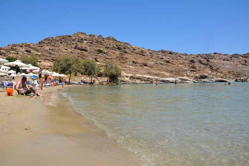 Danach an den Sandstrand im Naturpark auf der Insel Paros