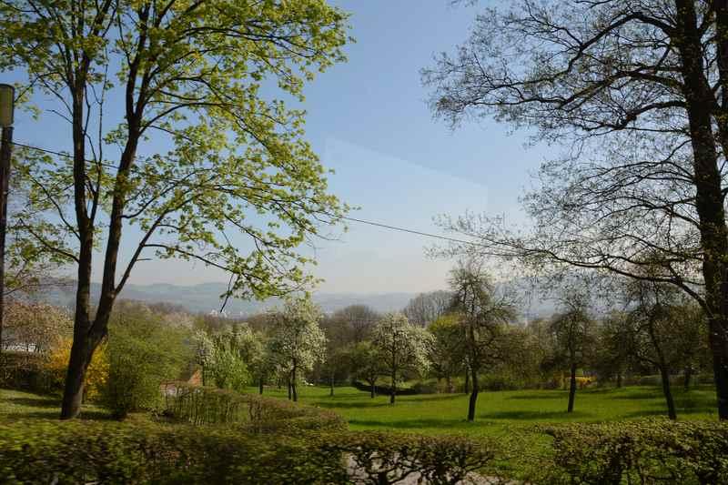 Frühlingsausblicke bei der Auffahrt auf den Pöstlingberg