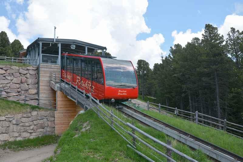 Die Raschötzbahn ab St. Ulrich in Gröden auf den Berg