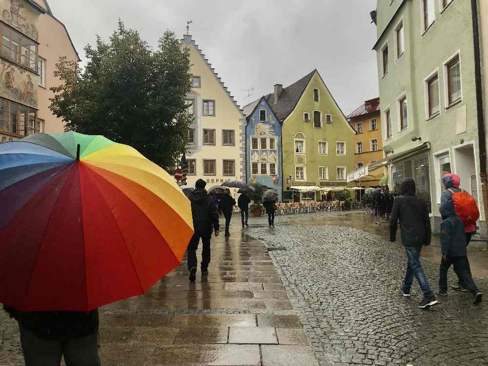 Unser Allgäu Ausflug bei Regenwetter: Die Kinder Stadt Ralley durch die Altstadt in Füssen