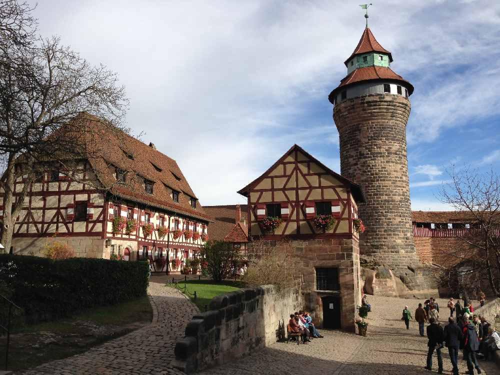 Geht auch bei Regen und Schlechtwetter - Ausflug auf die Burg in Nürnberg mit Kindern