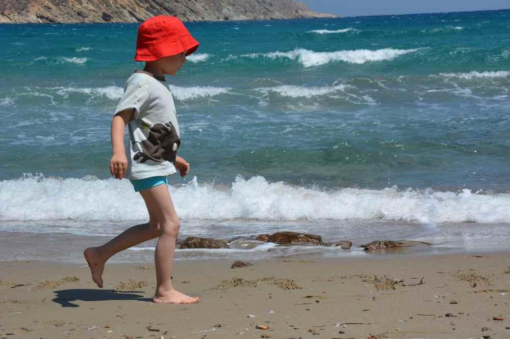 ... und diese Sandstrände waren für die Kinder ganz beeindruckend. Wir haben Strandhopping gemacht, die schönsten Strände gibt es unten zu finden.