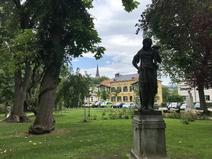Gleich neben dem Schillerpark ist das Kärnten Relief in Villach