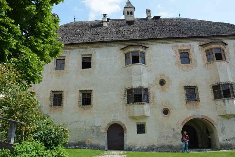 Besuch im Schloss Veldthurns in Südtirol mit Kindern