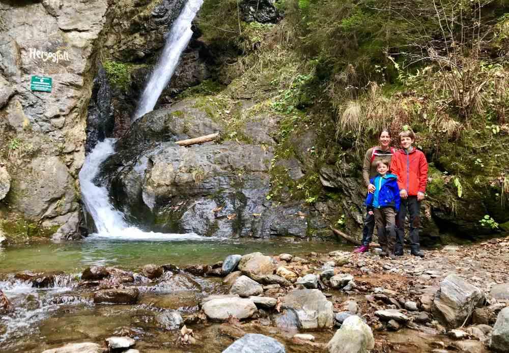 Klamm Kärnten: Klammwandern mit Kindern auf dem Schluchtweg am Millstätter See: Das ist der Herzogfall
