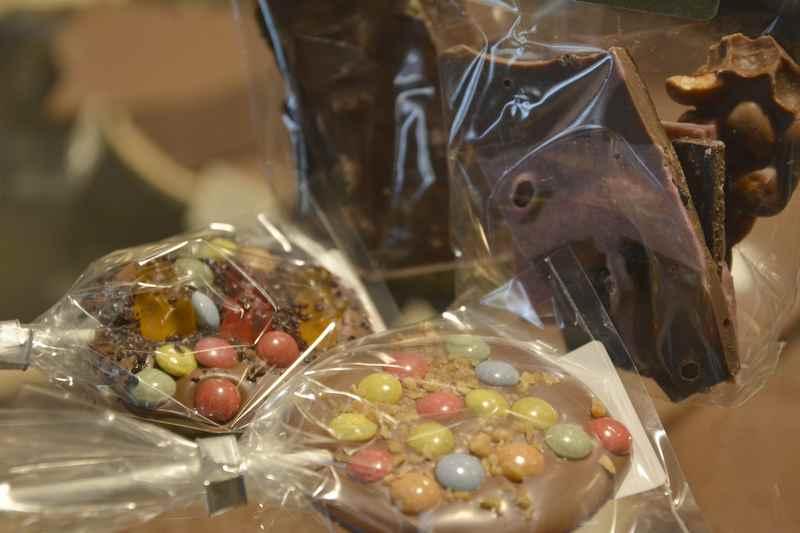 Chocolaterie Amelie Garmisch Partenkirchen - Nach der Führung durch die Chocolaterie darf jeder seine selbst gemachte Schokolade mitnehmen