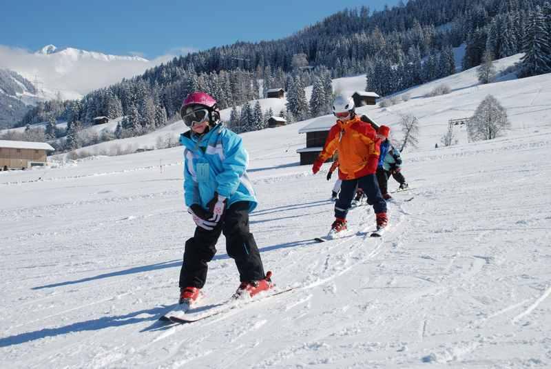 Skiurlaub Silberregion Karwendel: Skikurs in Tirol auf kleinen, überschaubaren Skipisten