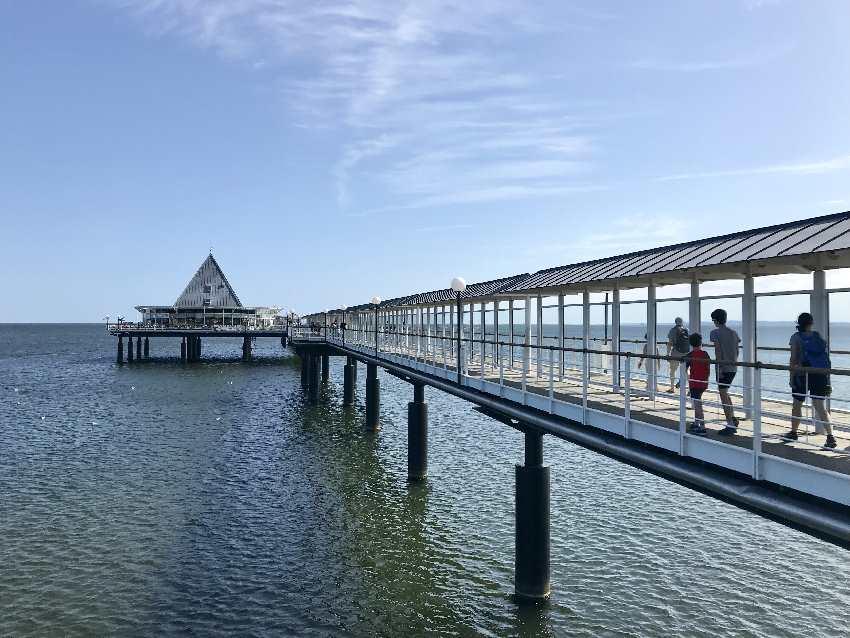 Vom Strand Heringsdorf auf die Seebrücke Heringsdorf - mit über 500 Metern Länge