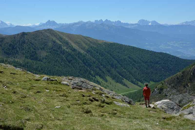 Das wunderbare Panorama am höchsten Punkt der Familienwanderung zu den Dolomiten