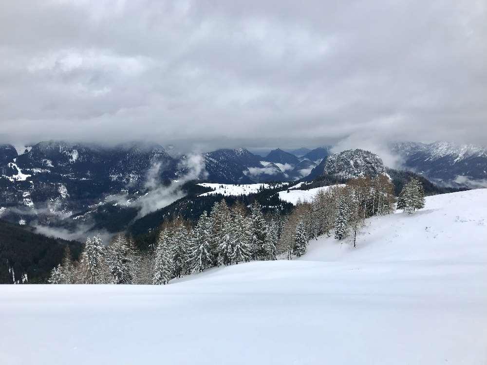 Skialm Lofer: Diese Winterlandschaft erwartet uns oben im Skigebiet Lofer