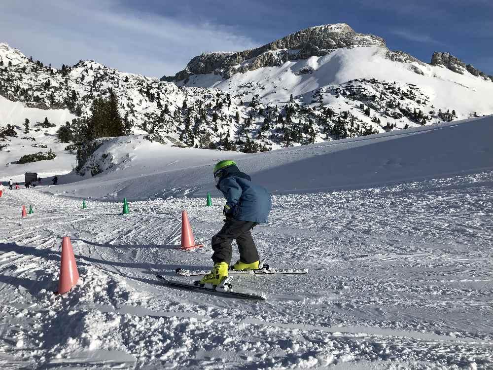 Skifahren mit Kindern im Skigebiet Rofan - das ist das Kinderland