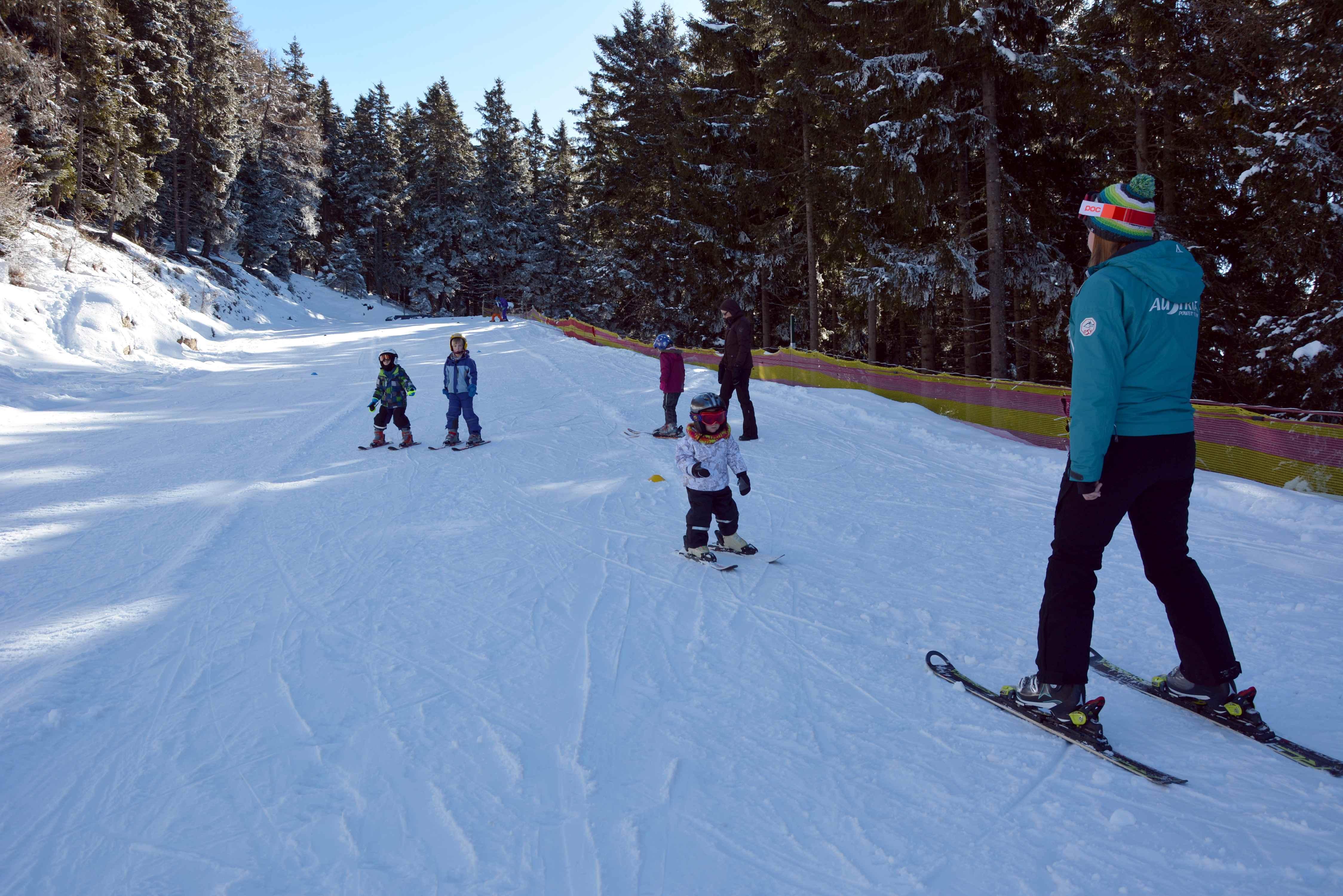 Hier können die Kinder skifahren lernen - Kleine Gruppen in der Skischule