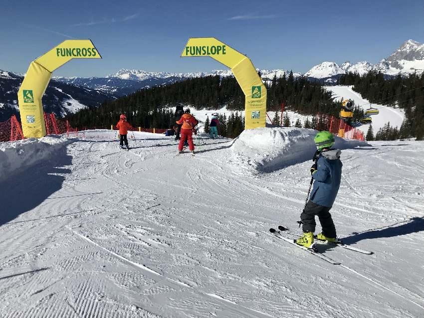 Skiurlaub mit Kindern in Österreich: Riesiges Skigebiet rund um die Planai in Schladming