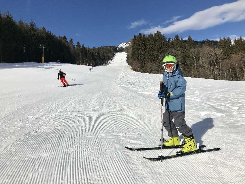 Skiurlaub mit Kindern - samt Skipass und Halbpension