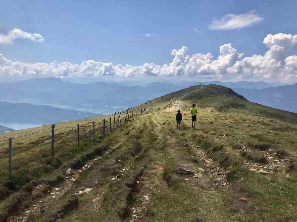 Und vor dem See noch wandern auf den Bergen - das ist für uns Sommer Familienurlaub