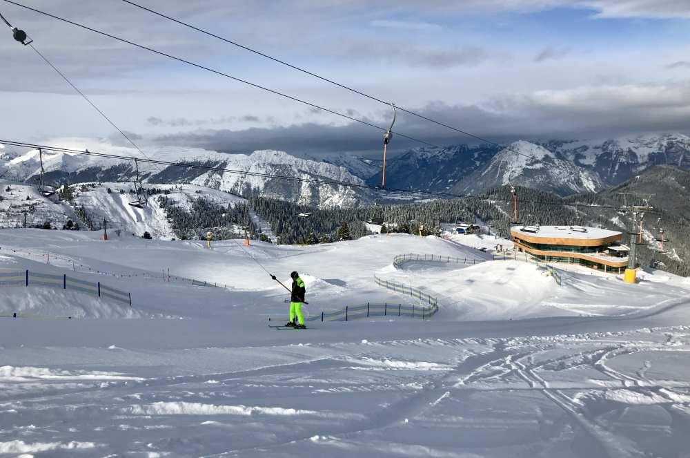 Skigebiet Fügen: Und so ist es oben im Skigebiet Spieljoch bei der neuen Bergstation