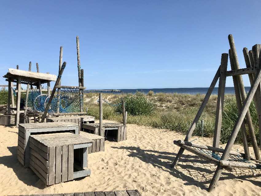 Der Spielplatz Basin mit Meerblick, direkt neben dem Strand und der Promenade!
