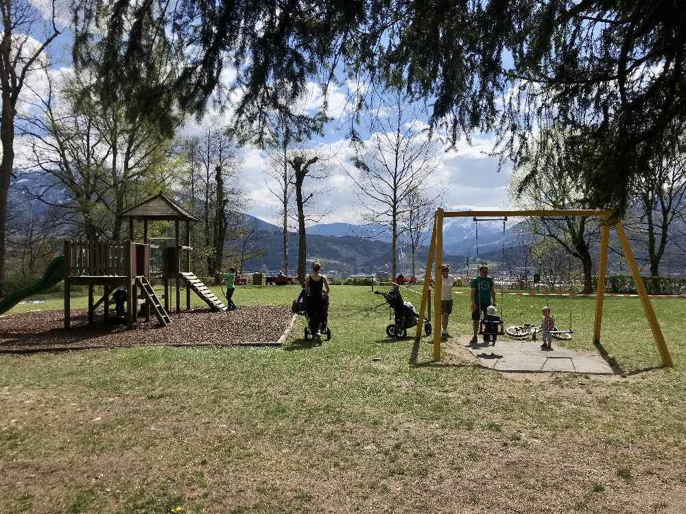Das ist der Spielplatz Innsbruck mit Kindern am Judenbühel