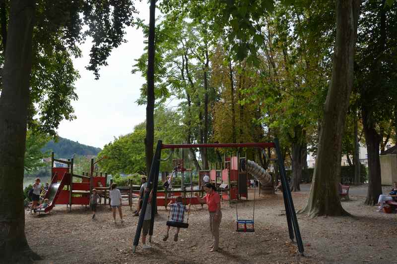 Der schöne Spielplatz in Passau für Kinder direkt am Inn und der Altstadt