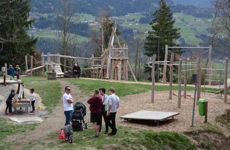 Der große Spielplatz in Vomp am Karwendel